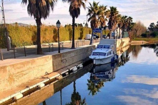 Port Grimaud bateau electrique en location - Logi-Service