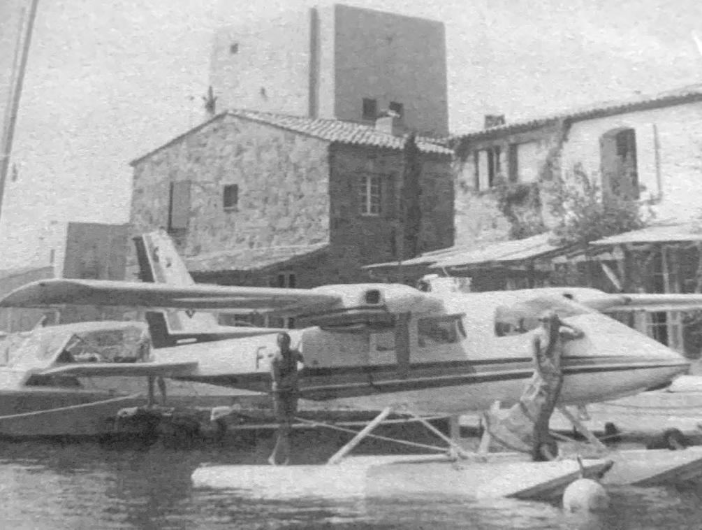 Photo noir et blanc de Port Grimaud - Historique hydravion