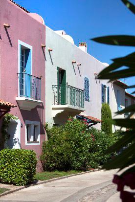 Port Grimaud - Logiservicefacades colorees et maison a vendre